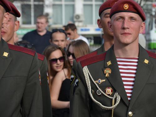 Газета копейка Сергиев Посад Дефиле Роты почётного караула